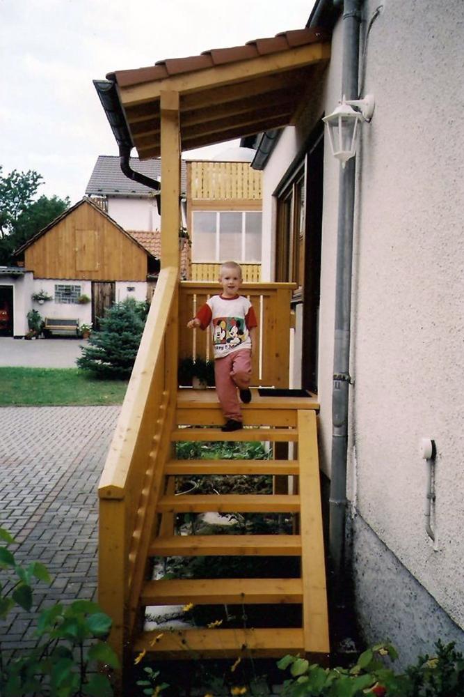 b Überdach Eingang und Treppe 001