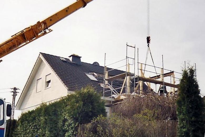 b Einbau eines Stahlträgers in die Konstruktion 001